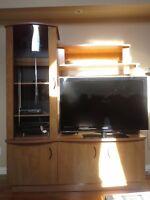 Meuble Télé + table basse en mélamine de couleur chêne