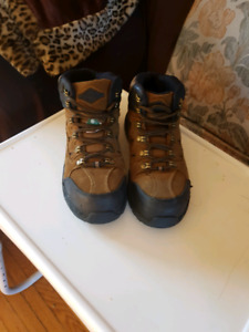 Light brown steel toe boots