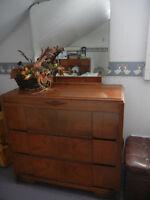Mobilier de chambre antique