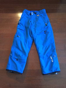 West49 Youth Snow pants size Medium. ages 8-10