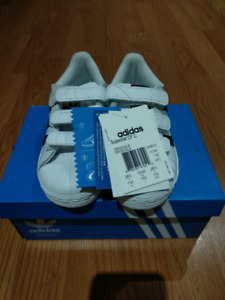 BNIB Unisex Adidas Superstar shoes for kids size 11K