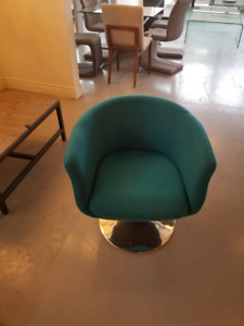 4 Oumea Zuo Chairs