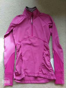 BNWT  lululemon pullover size 4