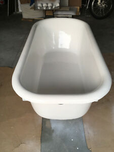 Claw Foot cast iron tub