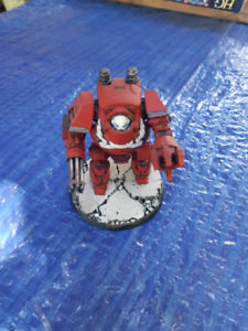 Warhammer 40k space marine red contemptor dreadnought