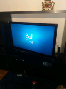"""47"""" samsung lcd flat screen TV good working condition $200.00"""