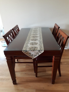 Dining table and 4 chairs set for moving sale