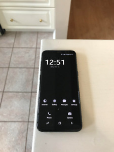 Selling Unlocked 10/10 Condition S8 with Warranty and FREE cases