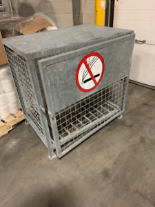 PROPANE/GAS CYLINDER CABINET - Hold 6