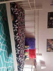 WHITE METAL DAYBED  prefect for a girls room