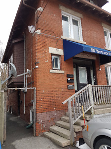 Two Bedroom Apartment in Central Hamilton near mountain stairs