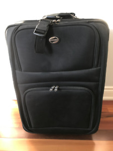 """American Tourister suitcase (26"""" x 19"""" x 10"""")"""