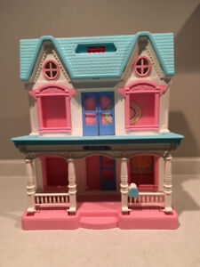 Vintage Fisher Price Loving Family 6364 Folding Dream Doll House
