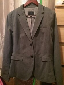 Brand New Banana Republic  womens suit