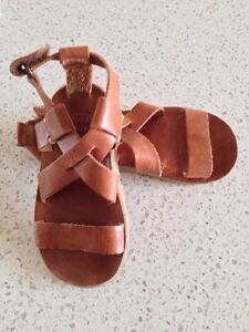 Leather sandals, size 5