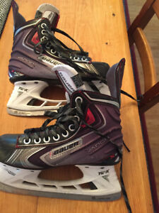 Bauer Vapor X 60 Junior hockey Skates sz 3.5