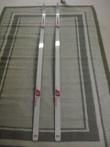 X Country Skis in Excellent Condition