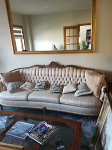 BEAUTIFUL COUCH AND LOVE SEAT FOR SALE