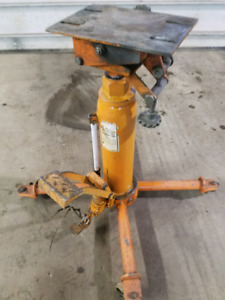 Transmission jack 1/2 ton strong arm