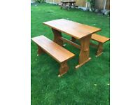 Lovely solid pine dining set in great condition
