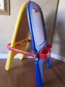 Crayola 2 in 1 Magnetic Easel - Whiteboard/Chalkboard - Like New