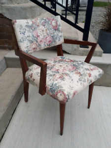 Mid-Century affordable chair.