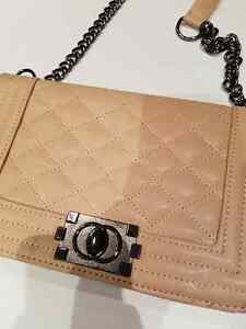 Crossbody with chain
