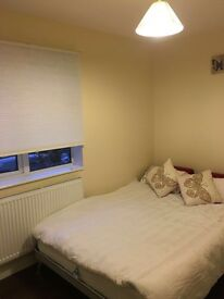 Lovely double room available in Hanger lane /Park royal / West Acton -must see!!