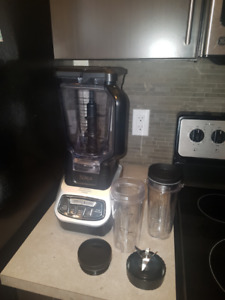 Ninja Blender with Nutri Ninja Cups