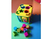 Shape sorter cube with lights & sounds