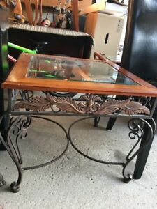 Coffee and side table (nesting tables)