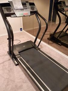 "NorticTrack C 2000 Treadmill ""LIKE NEW"" CONDITION"