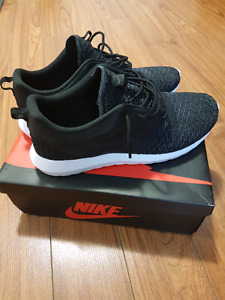 Nike roshe  sz 13 edition special