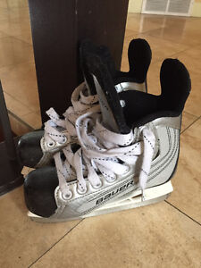 Bauer Junior Skates - size - Youth 13