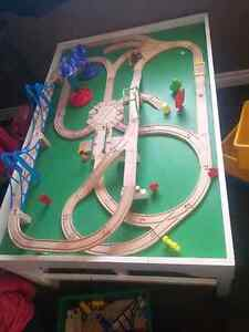 Train Table and tracks/trains