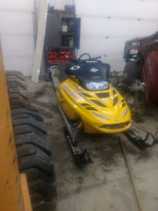 PARTING OUT 2001 Skidoo Summit Highmark x 800 zx 151