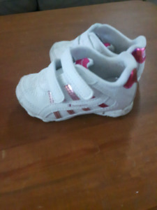 Size 2w toddler shoes