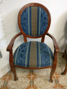 Chair with solid wood trims