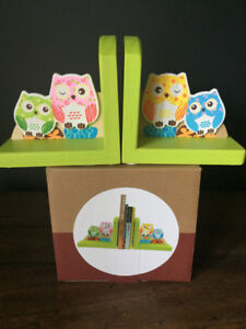Adorable Wooden Book Ends (New In Box)