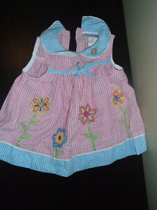 4 Girl dress size 18months , ALL 15$ ♥