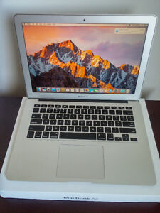 "MACBOOK AIR 13"" i5  4GB  128GB COMES WITH EVERYTHING"