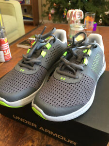 UnderArmour Kids Micro G Fuel Shoes (Brand New, Youth Size 4)