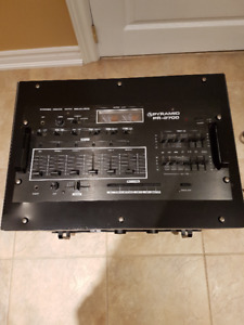 DJ Mixer and 1000 watt power amplifier in 6 bay rack