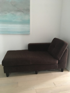 Chaise - Apartment sized
