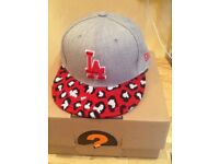 👑 Genuine New Era cap small- medium 9FIFTY SnapBack New