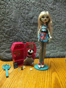 Monster High Dolls-Great shape and has all clothes/accessories Moose Jaw Regina Area image 10