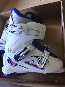 Children ski boot