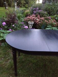 Oval Table  London Ontario image 1