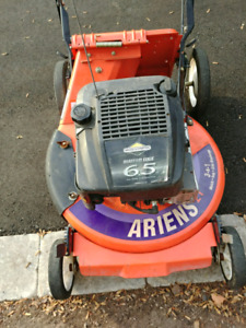"21"" ariens lawnmower with a 6.5hp briggs and stratton"
