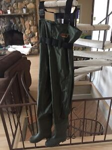 Bushline Chest Waders like new size 7
